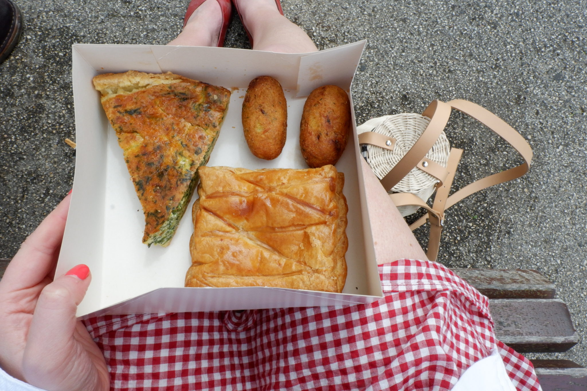 Selection box, Pasteis de Belém <br>(Cod Croquets, Spinach Quiche, Cheese Pasty)