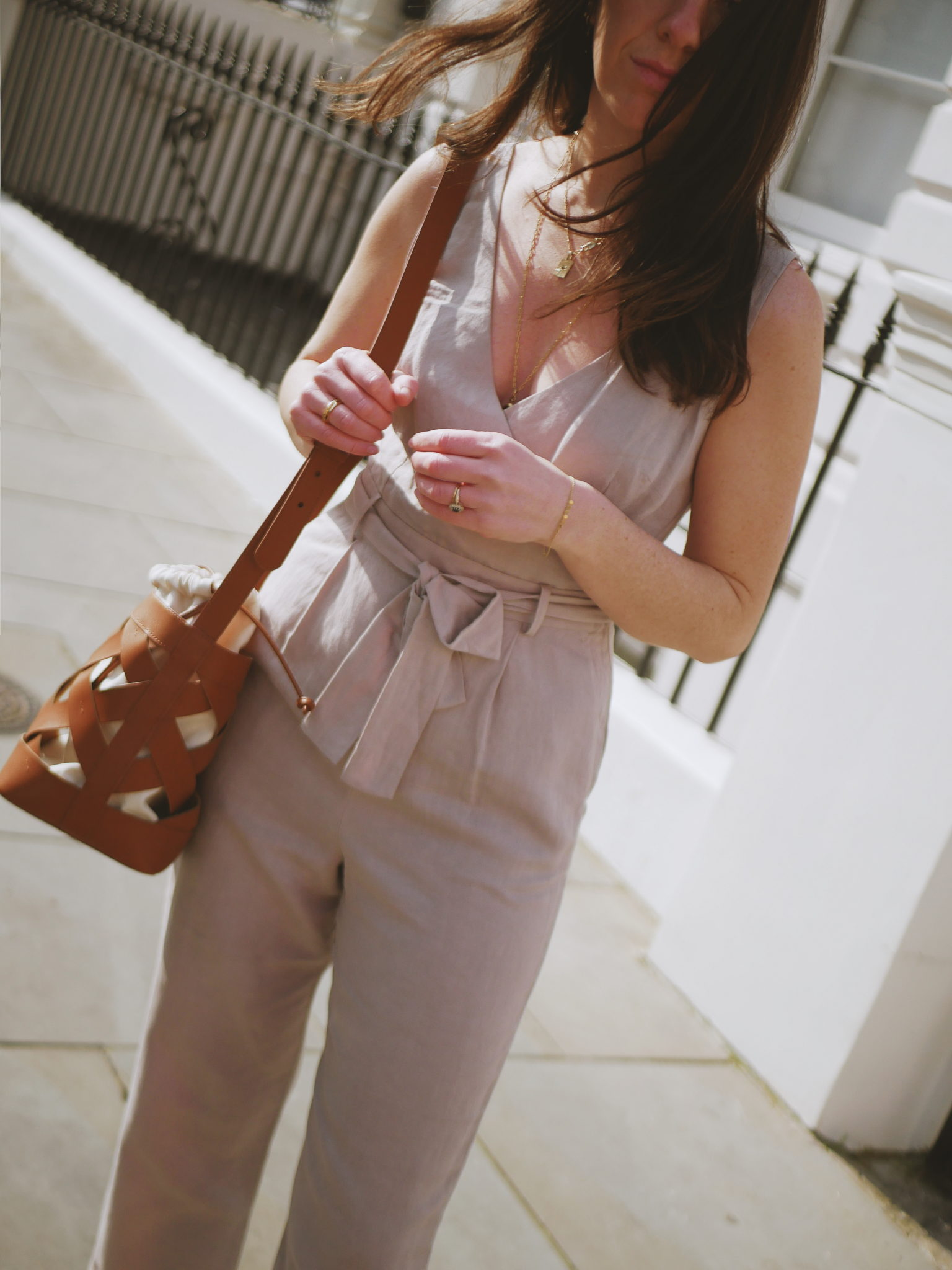 "<a href= ""https://bs.serving-sys.com/serving/adServer.bs?cn=trd&mc=click&pli=28052699&PluID=0&ord=[timestamp]""><u>Briella Linen Jumpsuit</u></a><br/> <a href=""https://bs.serving-sys.com/serving/adServer.bs?cn=trd&mc=click&pli=28052700&PluID=0&ord=[timestamp]""><u>Turner Bucket bag</u></a>"